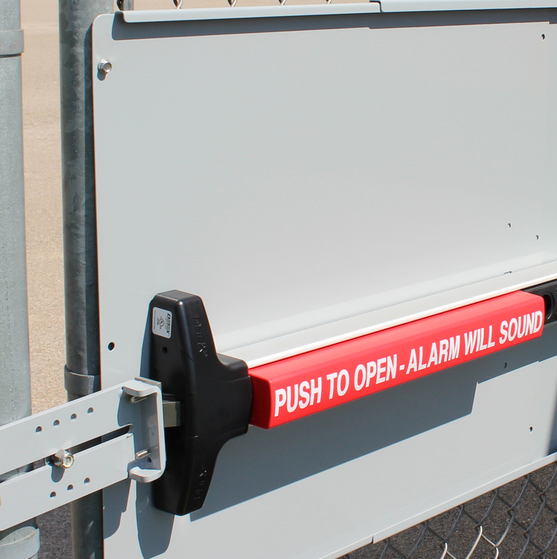 Panic bar mounting plate for chain link fence gates